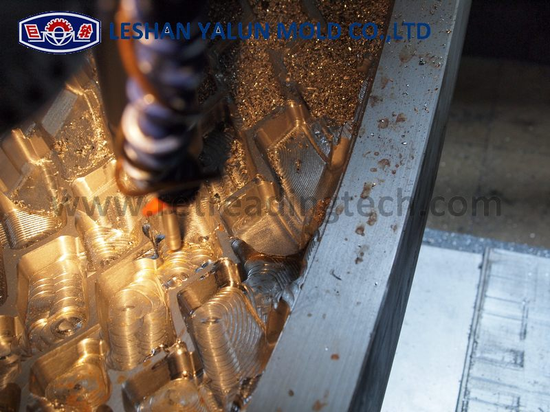 Carving Mold For Pre Cured Ring Retread